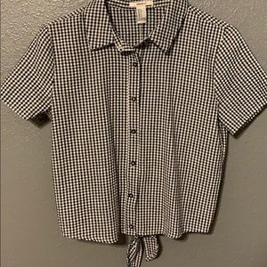 black and white checkered blouse w bow on the back